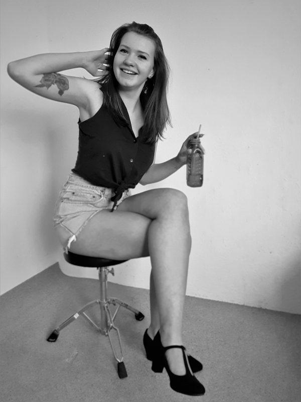 Drink pose